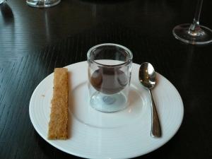 Post dessert chocolate
