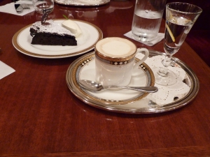 Cooffee and cake in Ginza