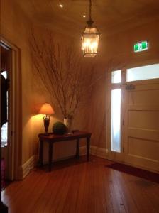 interior, front door/hallway