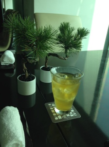 Iced green tea and bonsai