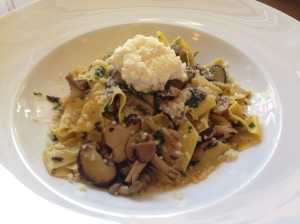 Pappardelle with mushrooms and truffle
