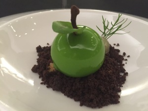 Apple mousse, honey cremeux, chocolate crumble