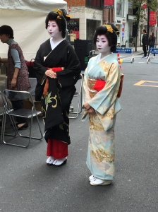 Maiko in Ginza