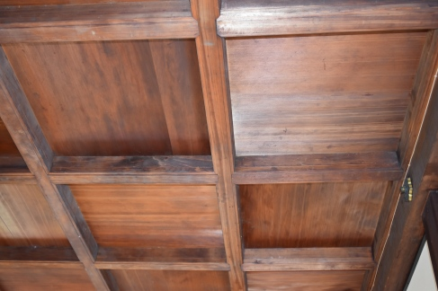 Artfully arranged wood ceiling
